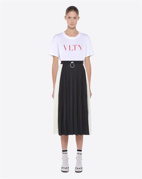 北京高仿品牌衣服批发市场在哪里 给大家揭秘下高仿服装进货一般价格多少钱